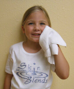 Girl using Skin Blends Microfiber Facial Cloth