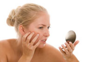Facial Redness Takes Emotional Toll on Rosacea Patients