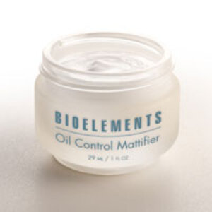Bioelements new Oil Control Mattifier blots breakthrough oil, give skin a perfect matte finish and keeps surface shine at bay.