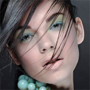 With dark hair and dark eyes, a combination of Cockatoo and Margarita can be stunning this spring.