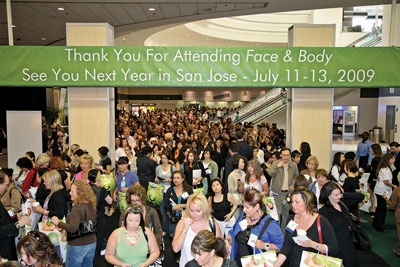crowd as Face &amp; Body 2008 show floor opened