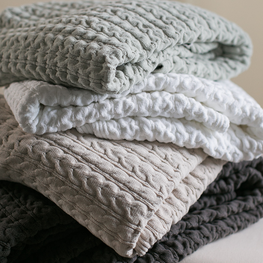 Comphy Blankets