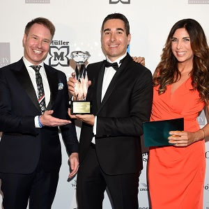 Janssen Cosmetics winning an award