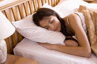 Estée Lauder Study Links Low Quality Sleep to Skin Aging
